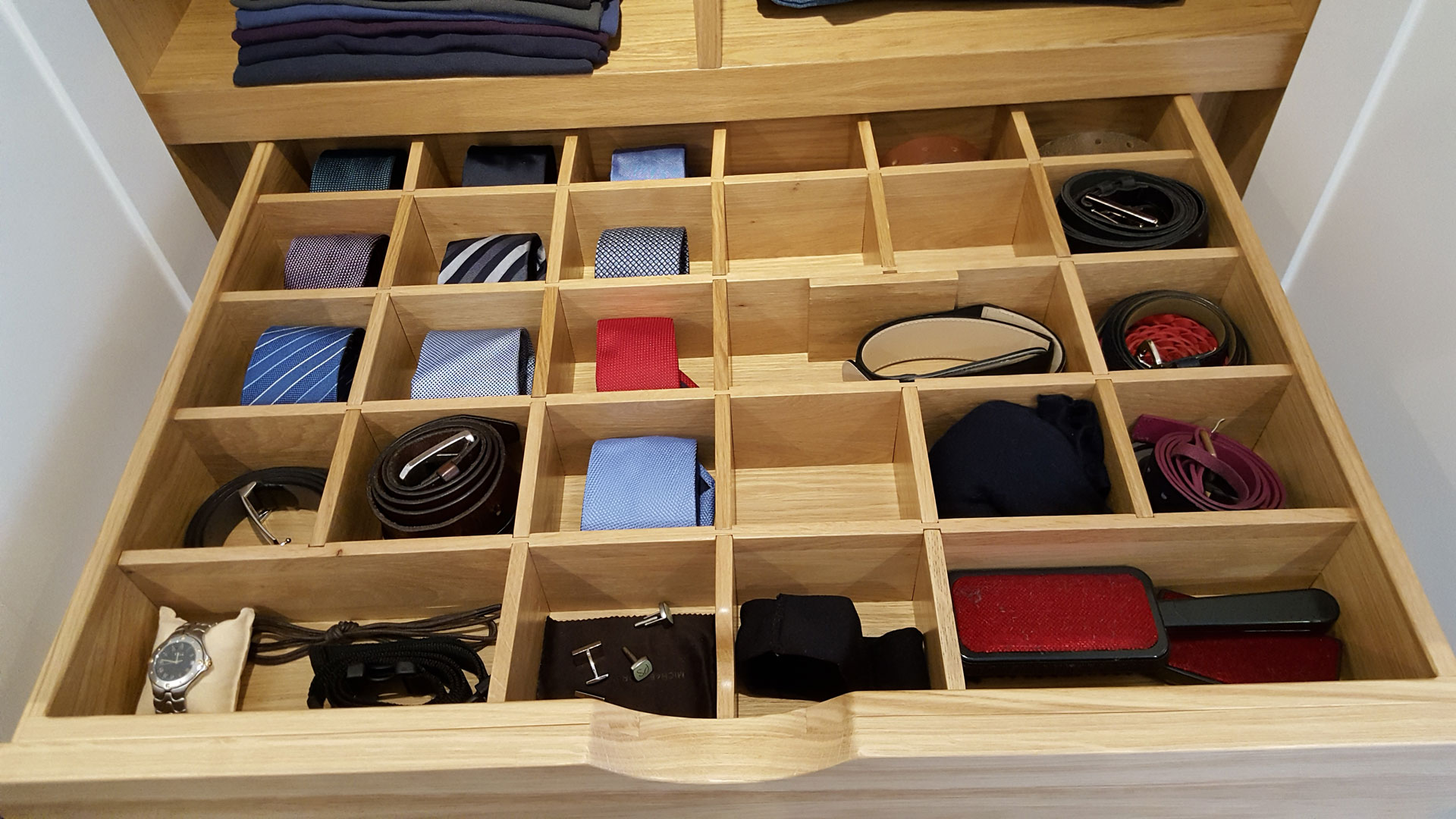 Duncan Bruce Bespoke Wardrobe Designers